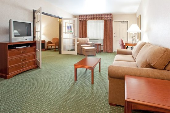 Holiday Inn Express & Suites - Gunnison: Suite