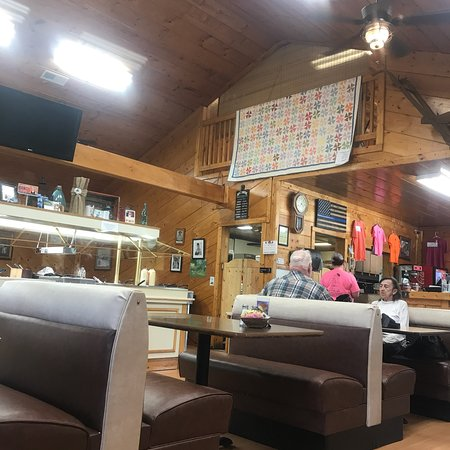 Byrdstown, TN: Home cooking at its best