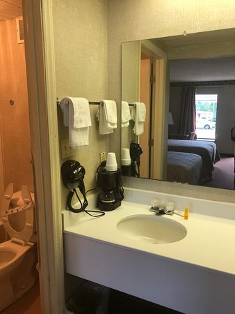 Chester, Carolina del Sur: new hair dryers and coffee pots
