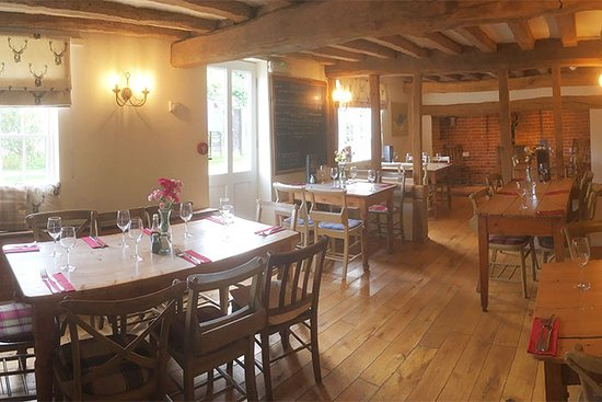 Bramfield, UK : The Snug - a beautiful restaurant, also available for private hire