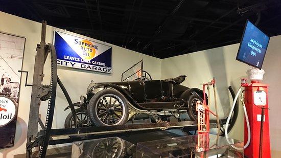 National Museum of American History: ルパンに出てきそうな車