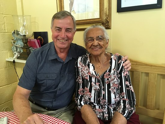 Monroe, VA: Lucky man with Mary Fannie