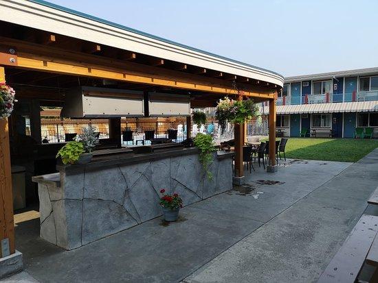 Bowmont Motel: TA_IMG_20180907_130547_large.jpg