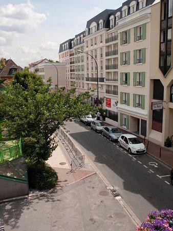 Saint Maurice, France: Exterior