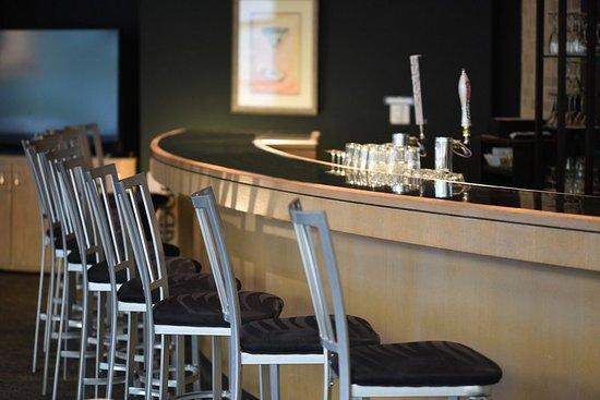 Chaska, MN: Bar/Lounge