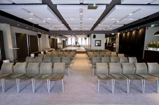 Establishment Hotel: Meeting room