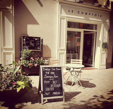 Le comptoir carquefou 10 place saint pierre restaurant avis num ro de t l phone photos - Comptoir irlandais nantes ...