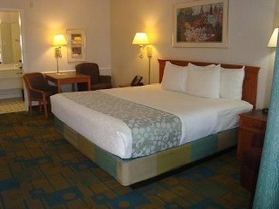 Stay Express Inn Dallas - Fair Park / Downtown : Guest room
