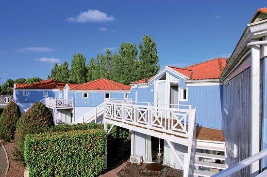 Saint-Jean-de-Minervois, France: Exterior