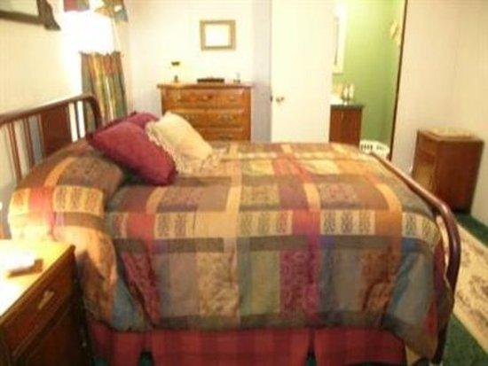 Ararat, VA: Guest room