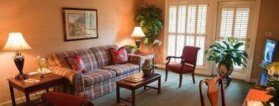 Merry Acres Inn: Lobby