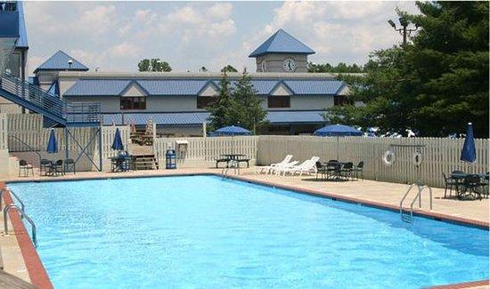 Carroll Valley, PA: Pool