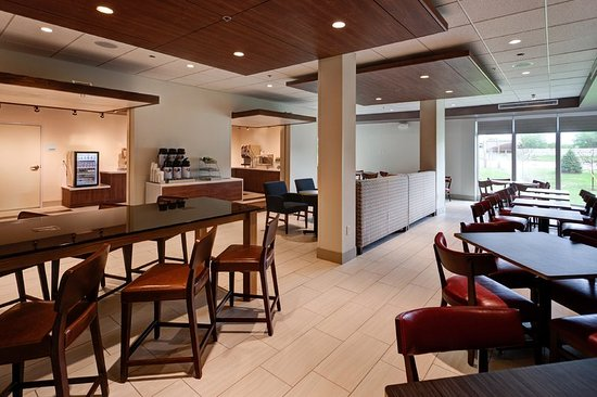 Holiday Inn Express Suites Great Bend 103 1 2 3 Prices