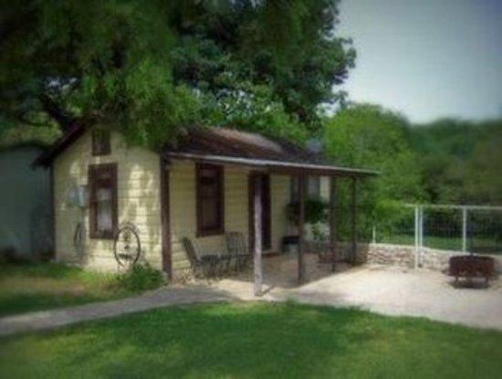 Leakey, TX: Exterior