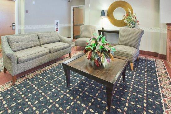 Laurinburg, North Carolina: Suite