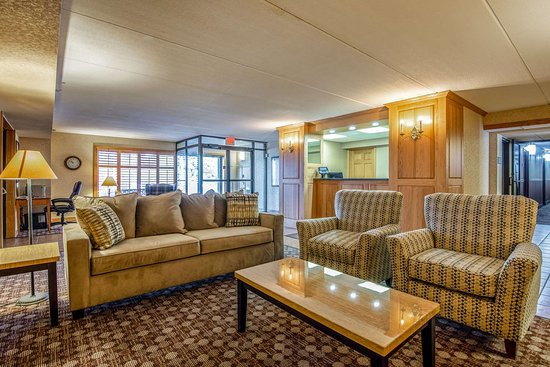 Tully, NY: Hotel lobby