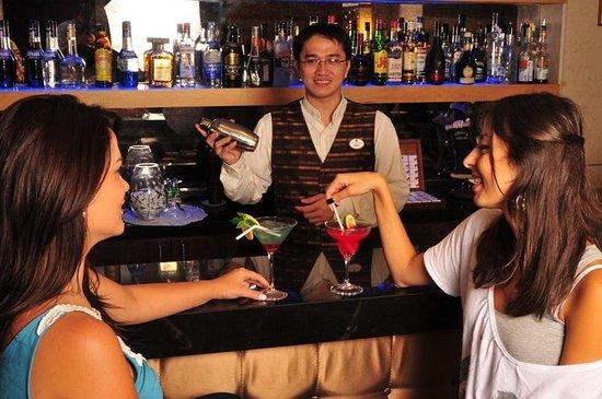 City Suite Hotel: Bar/Lounge