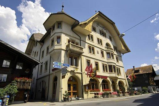 Saanen, Swiss: Exterior