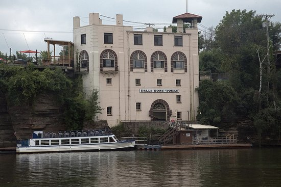 Dells Boat Tours: The end of the ride...