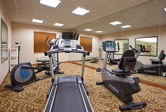 Holiday Inn Express Hotel & Suites Bay City: Health club