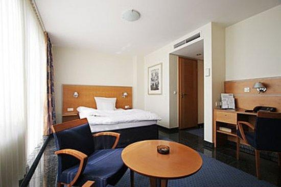 The Best Hotels near Düsseldorf Airport (DUS) — Book a ...