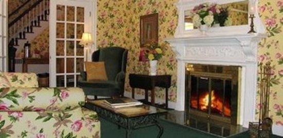Bar Harbor Castlemaine Inn B&B: Lobby