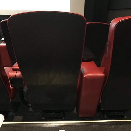 ‪Cinebarre Theatre Regal Cinemas‬