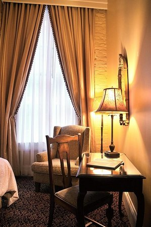 The Pelham: Guest room