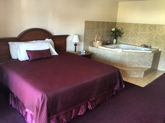 West Point, VA: Guest room