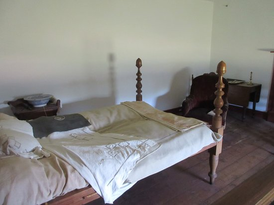 Woodford, VA: The bedroom