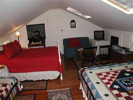 Pepper House Inn: Guest room