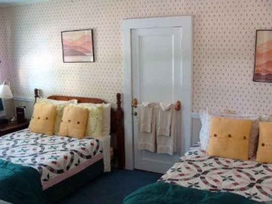Sunapee, NH: Guest room