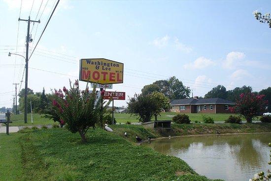 Montross, Вирджиния: Exterior