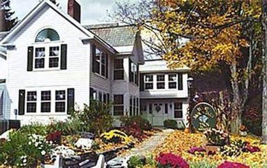 West Mountain Inn: Exterior