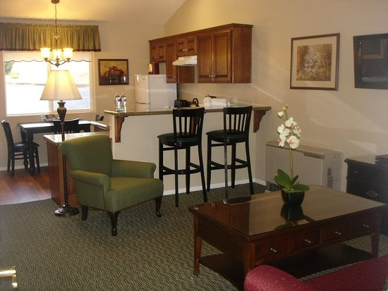 Bay Meadows Resort: Guest room