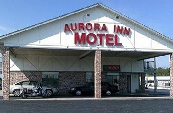 Aurora, MO: Exterior