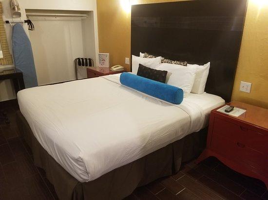 Knights Inn Palm Springs : Room view, part 2