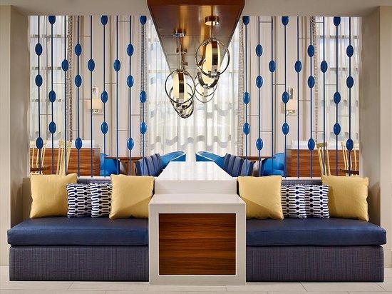 Sonesta ES Suites Andover: Lobby