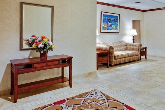 Holiday Inn Express Hotel & Suites Bethlehem Airport - Allentown Area: Lobby