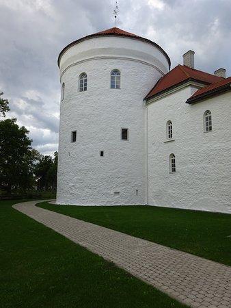Kullamaa, Estland: Koluvere Castle