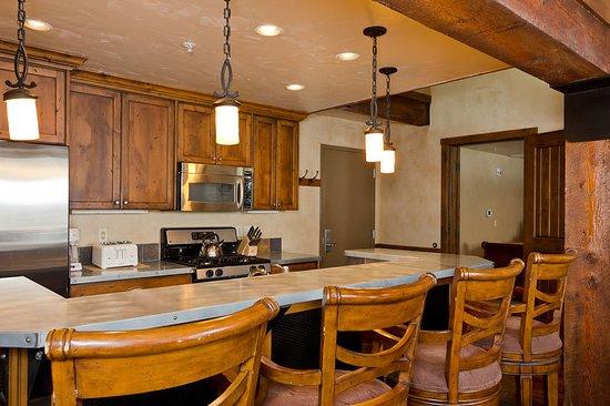 Lodges at Deer Valley: Guest room