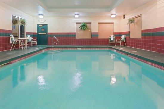 Newton Falls, OH: Pool