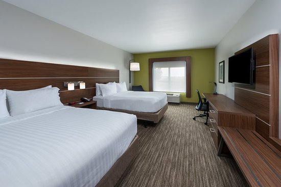 Troy, IL: Guest room