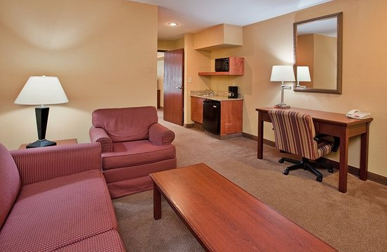 Maryville, MO: Suite