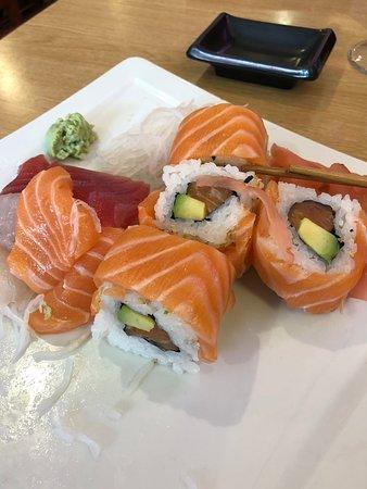 "Sushi Yin: Shusi Yin : menu Sashimi et généreux ""California Royal"" ; top...!"