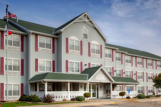 Country Inn & Suites by Radisson, Waterloo, IA
