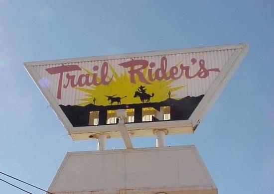 Trail Rider's Inn Motel: Exterior