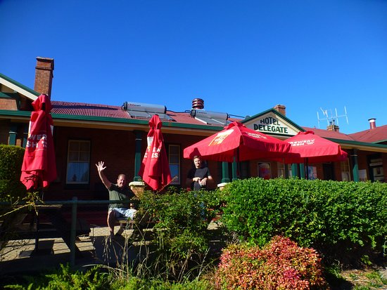 ‪‪Bombala‬, أستراليا: We offer friendly real country pub atmosphere, accommodation, great food, cold beer, games room,‬