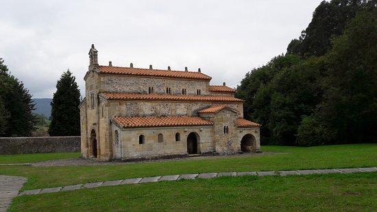 Iglesia de San Salvador de Valdedios