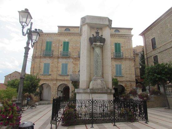 Colonnella, Itália: Monumento ai Caduti